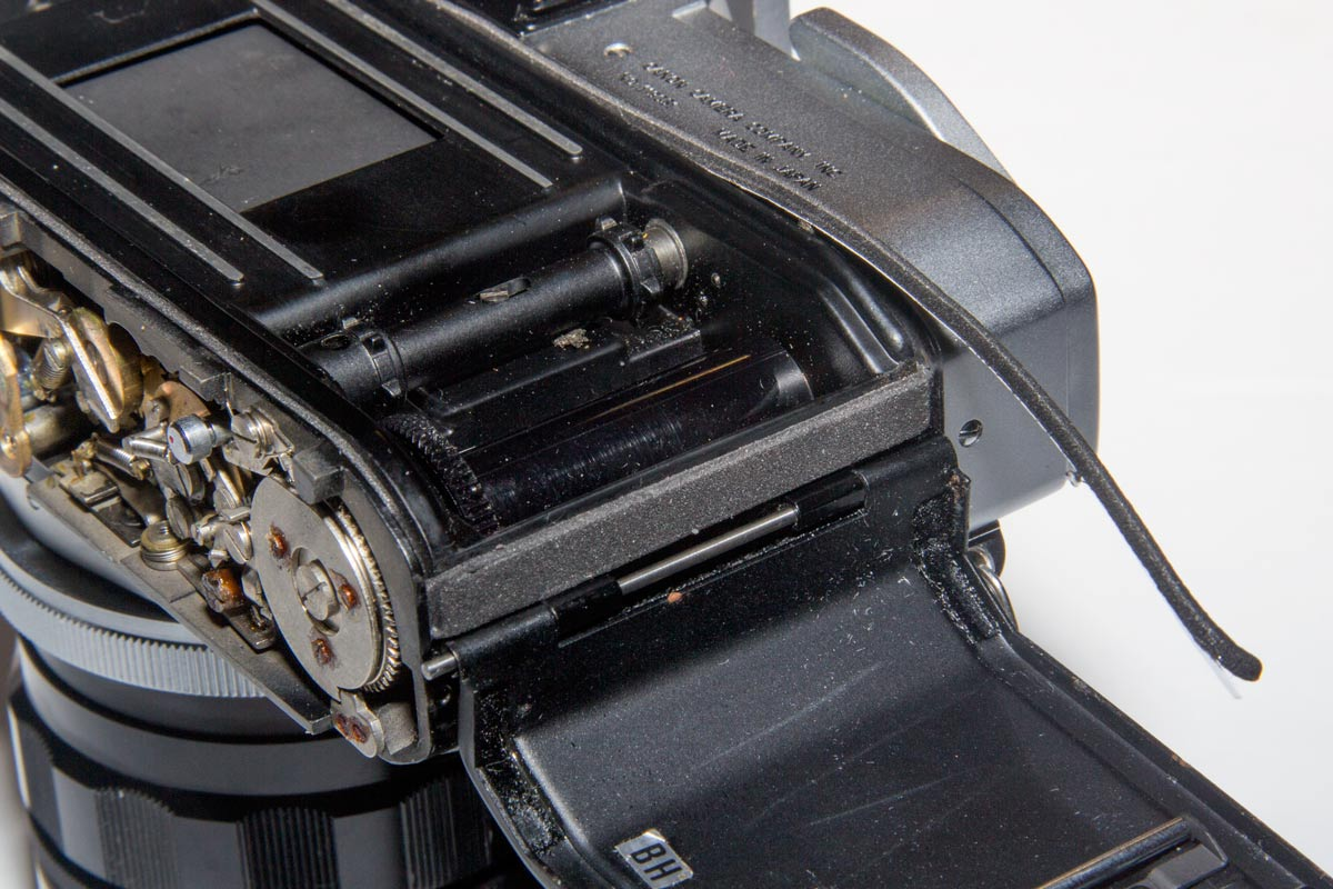 Replacing light seals in a Canon Pellix