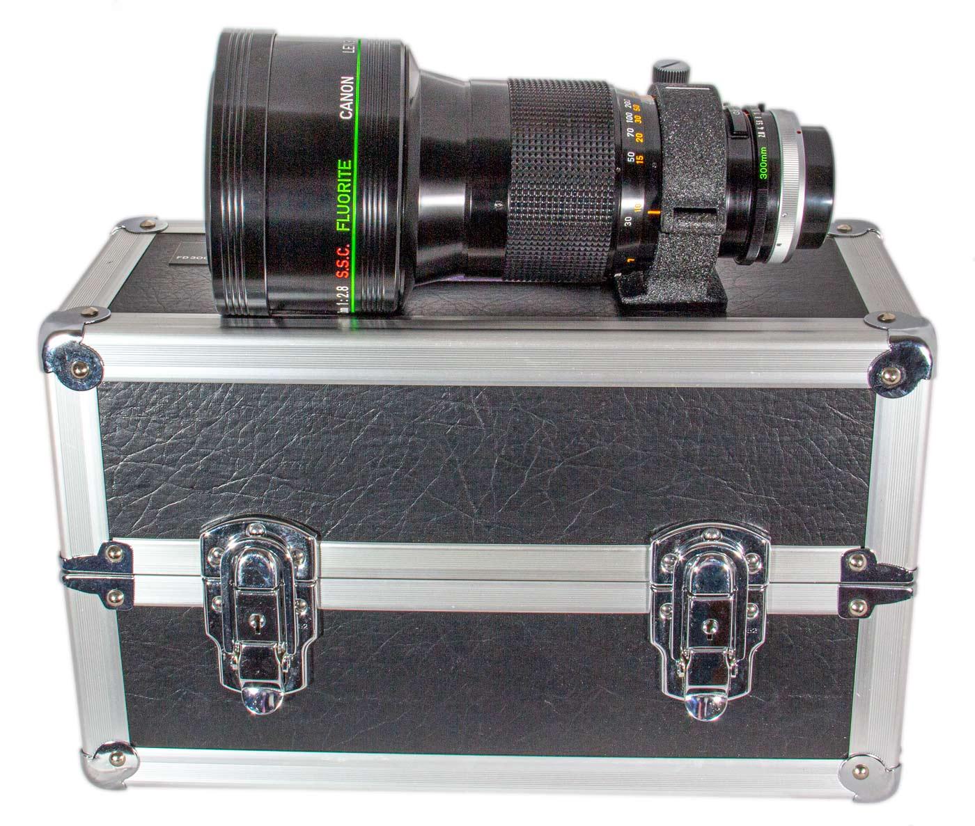 Canon FD 300mm f/2.8 SSC Fluorite Lens